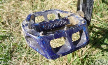 Review: DMR V8 Flat Pedals