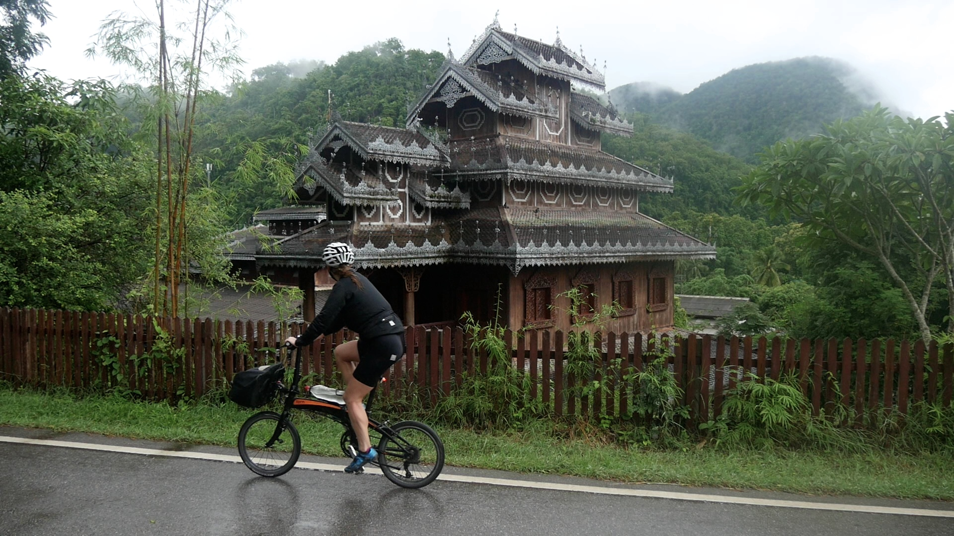 Guide: Cycling the Mae Hong Son Loop in Thailand ...