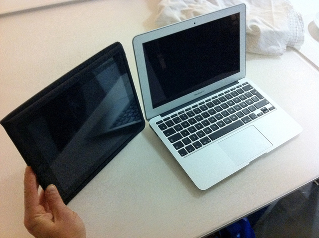 Taking A Laptop Vs Tablet On Our Trip Cyclingabout