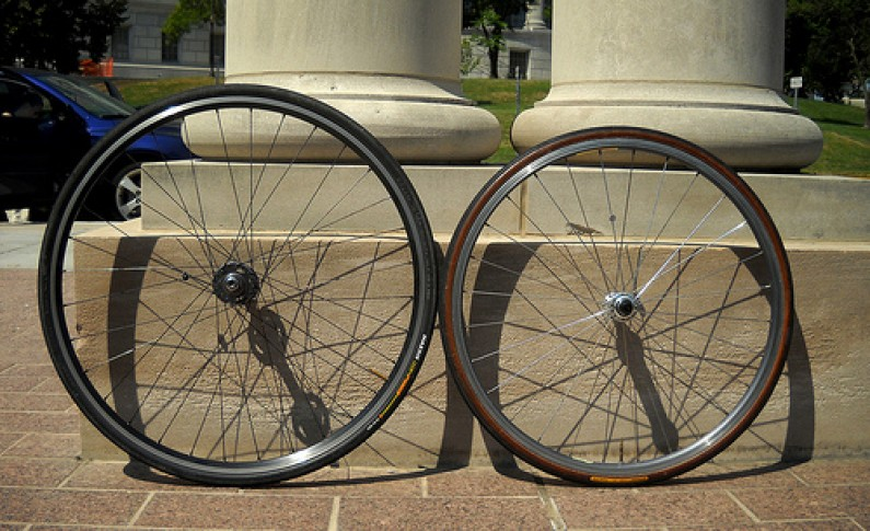 700c Vs 26 Inch Wheel Size For Bicycle Touring Cyclingabout