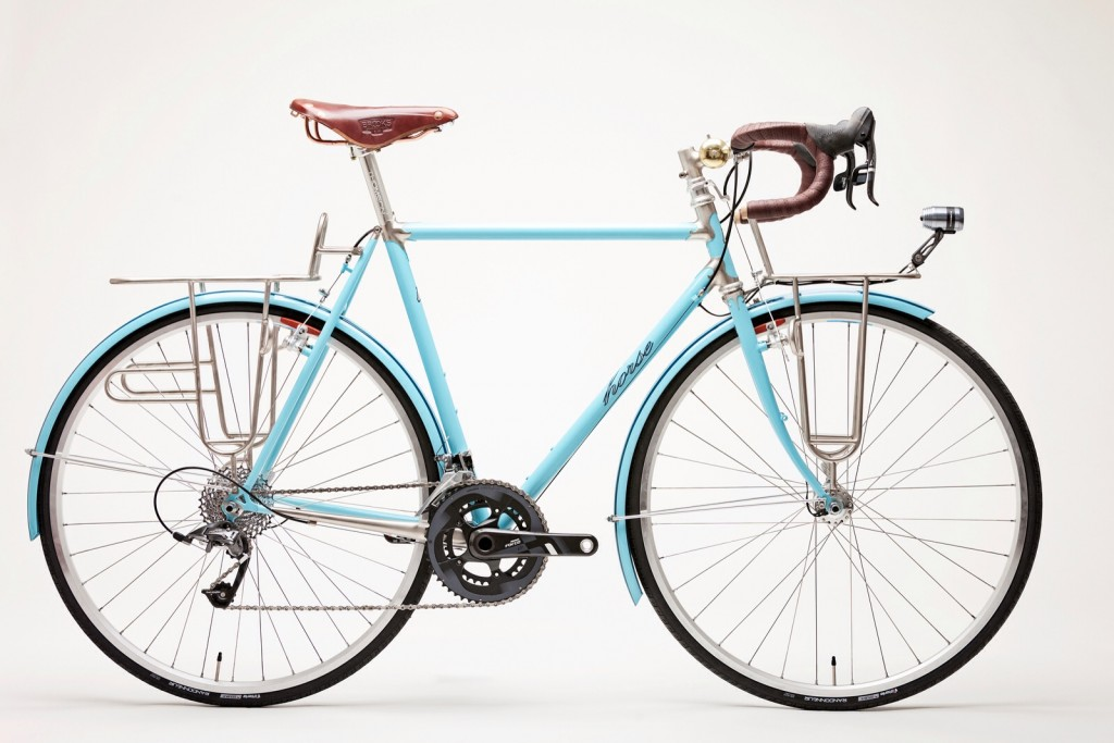Horse Cycle randonneur bike with colour-matching fenders