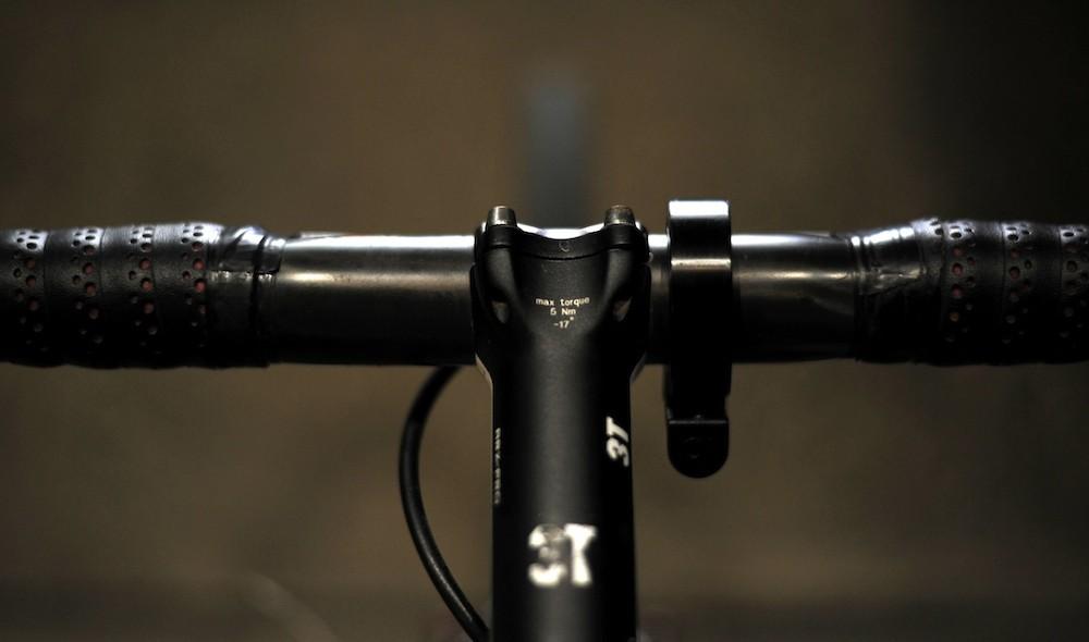 Knog Oi Bike Bell 01