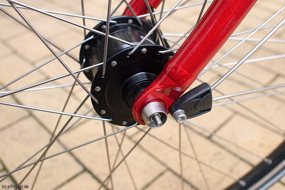 A Pitlock skewer mounted to a bike. Image: Elfritzel.de