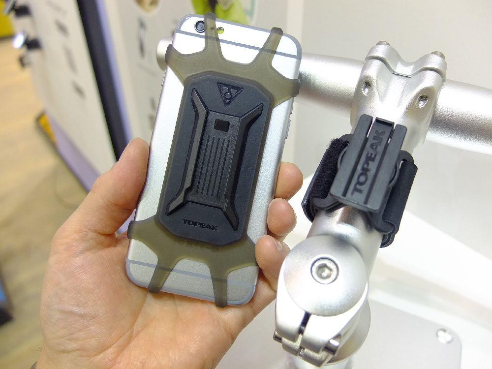 the latest ba9c5 4753a Topeak Phone Bike Case Eurobike 2016 - CyclingAbout.com