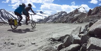 Video: Cycling The Highest Road In The World On A Tandem